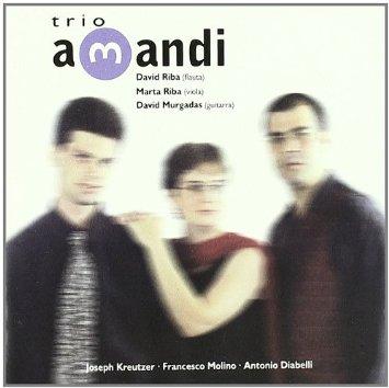 trio AMANDI FOTO CARATULA